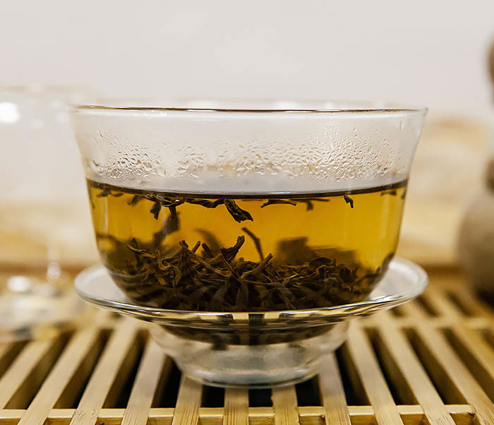 TEA-CH108-2 Красный чай «Чжэнь Шань Сяо Чжун» (Лапсанг Сушонг,  сорт «ААА», 50 гр) фото 08