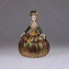 Кукла-шкатулка Барышня в парчовом платье