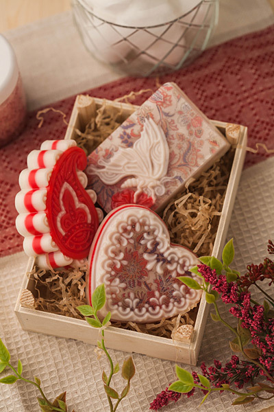 Пластиковая форма для изготовления мыла Сердце с орнаментом 2