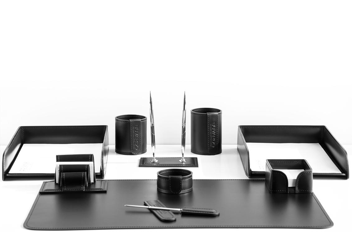 Отличный выбор - набор для руководителя 1141из 10 предметов натуральной итальянской кожи Cuoietto.