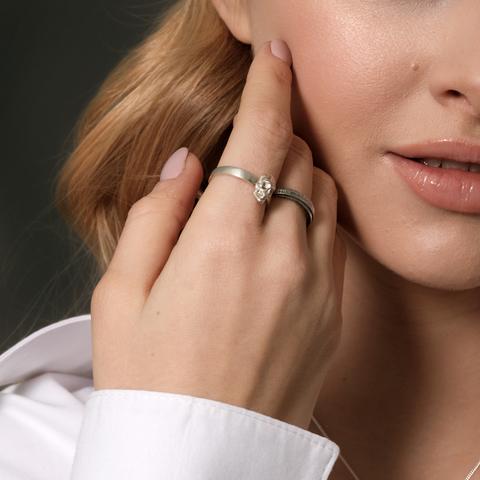 Кольцо с черепом и кольцо