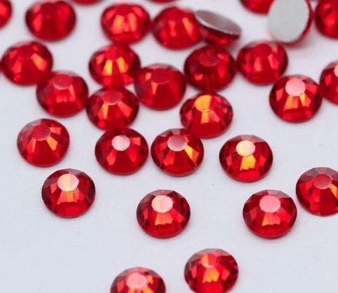 Стразы  красные (пластик)