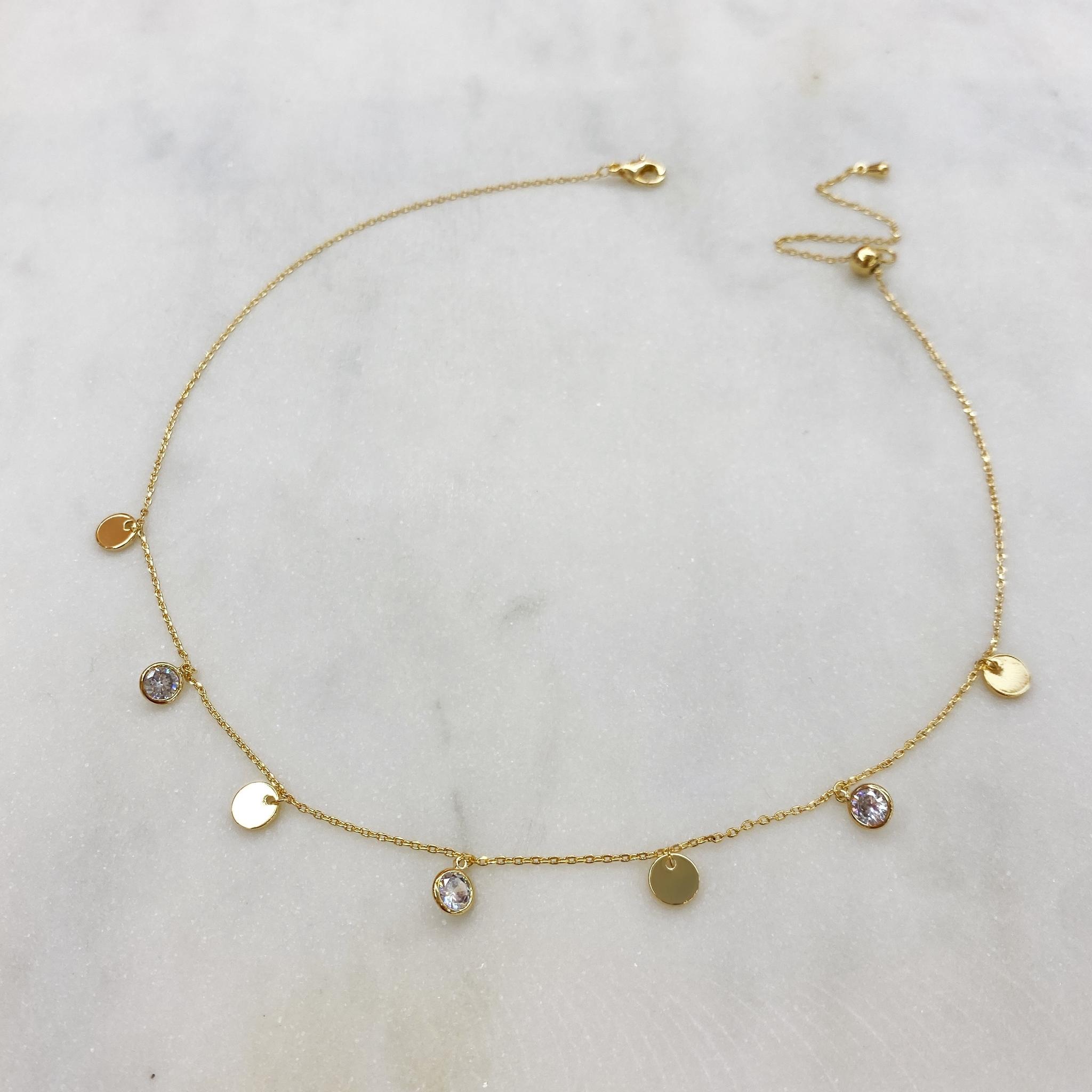 Чокер-цепочка с круглыми цирконами и монистами (золотистый)