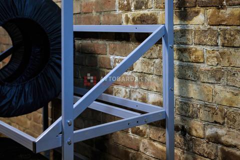 Стеллаж для колес из профильной трубы (для огромных колес лифтованных внедорожников)