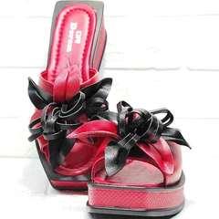 Кожаные босоножки шлёпки женские Derem 042-921-02 Red Black.
