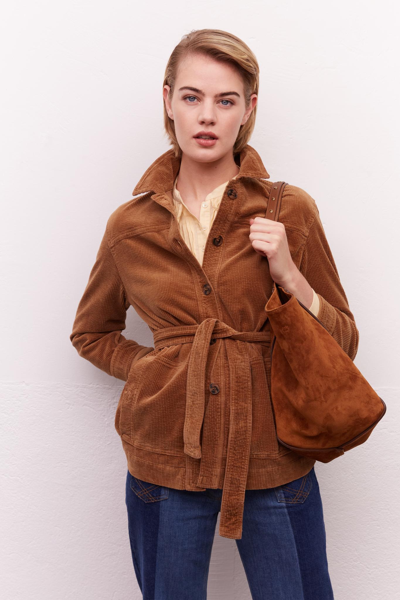 Вельветовая куртка со съемным поясом