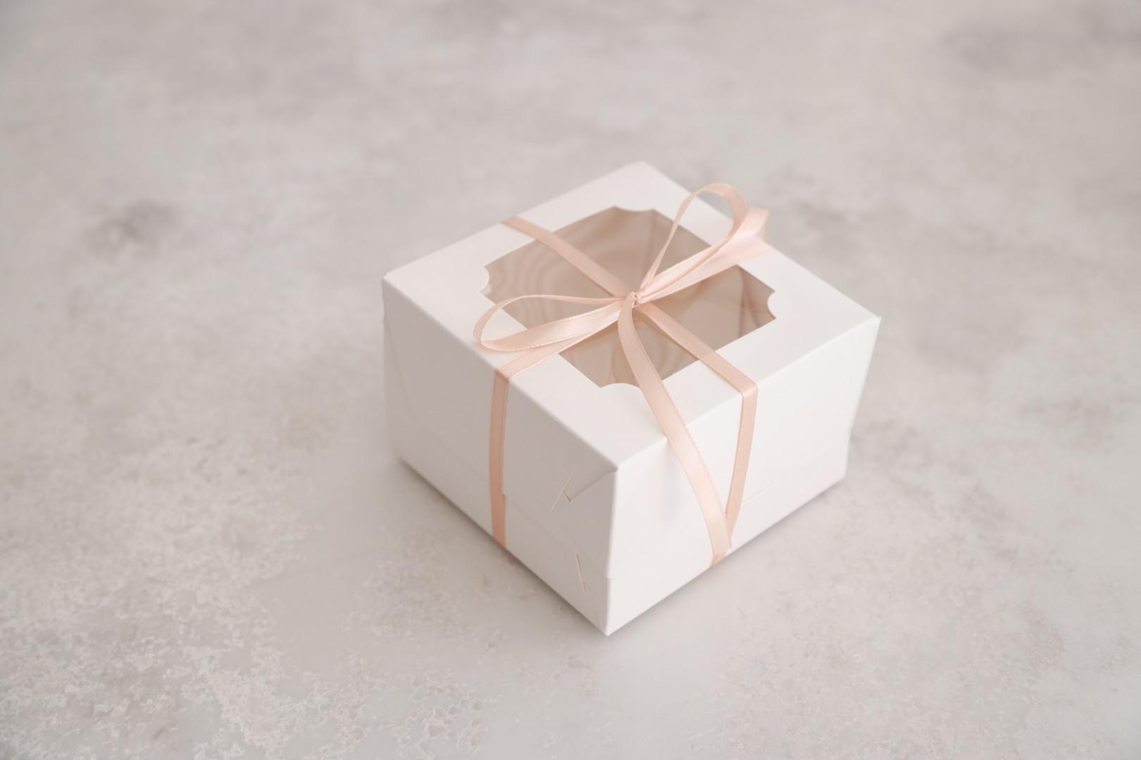 Коробка для БЕНТО торта с окном, 12х12х8 см