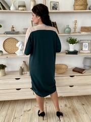 Аманда. Повседневное комбинированное платье плюс сайз. Изумруд