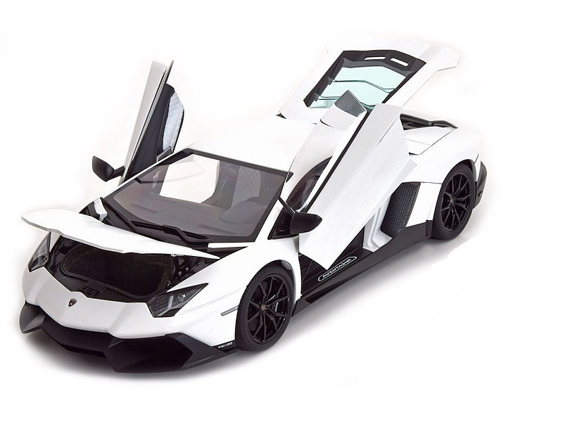Коллекционная модель Lamborghini Aventador LP720-4 50th Anniversary 2013