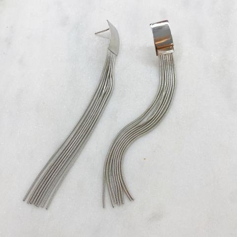 Серьги с кисточками на прямоугольном основании (серебристый)