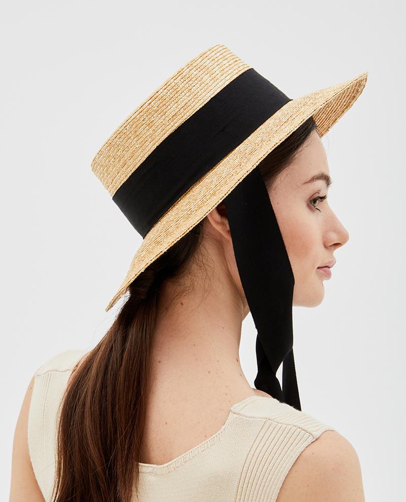 шляпа-с-черной-лентой-сбоку