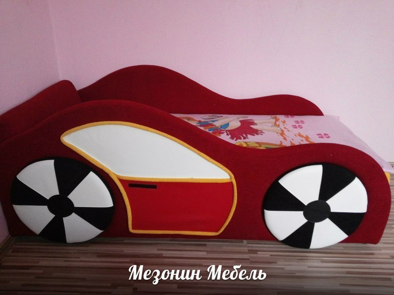 Диван Машинка