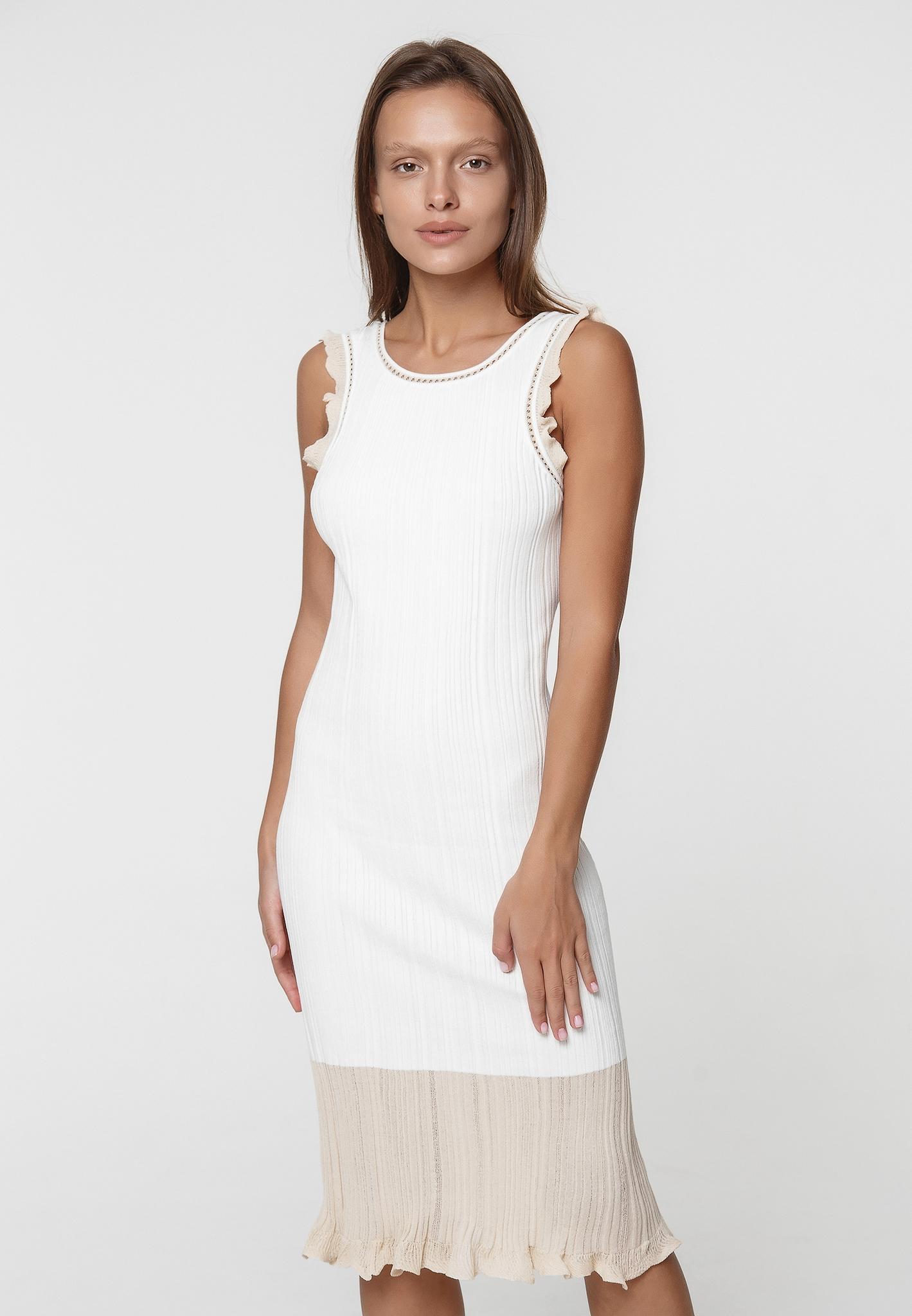 Платье на лямках