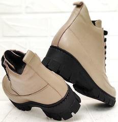 Осенние ботинки женские на каблуке Yudi B-20 082 Beige.