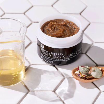 Скраб для лица с медом и черным сахаром Mizon Honey Black Sugar Scrub