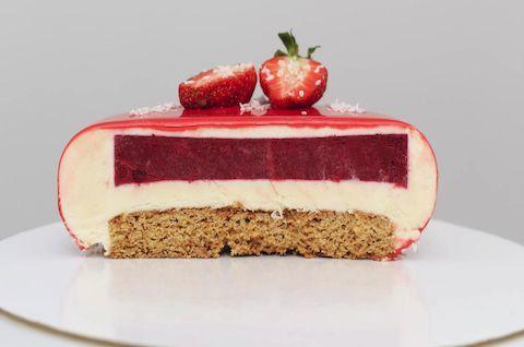 Муссовый торт без глютена, без сахара и без молока слоеный