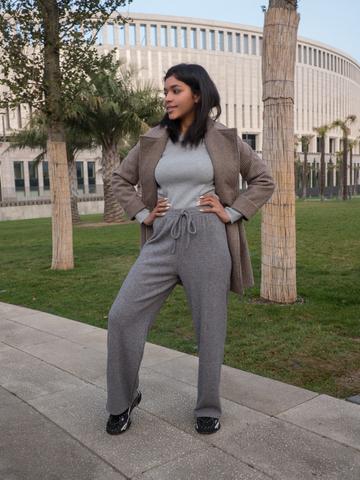 Серые трикотажные штаны купить