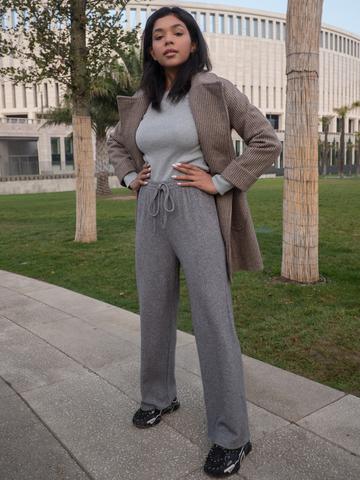 Серые трикотажные штаны оптом