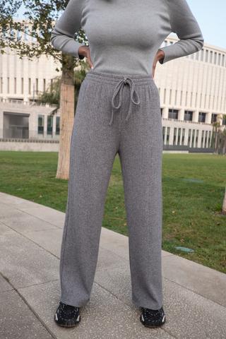 Серые трикотажные штаны nadya