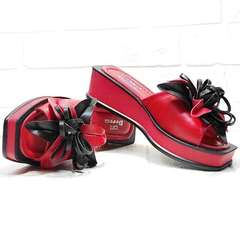 Красные босоножки шлепки на платформе Derem 042-921-02 Red Black.