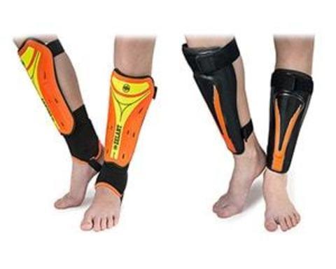 Купити щитки на ноги для футболістів