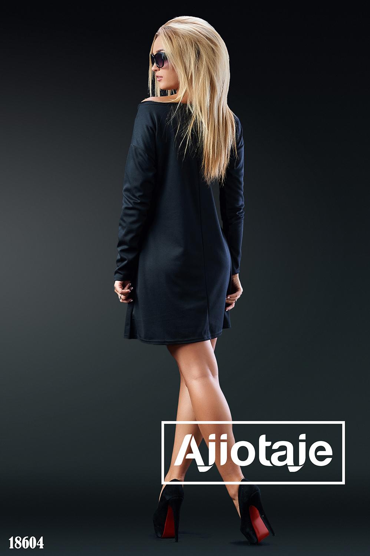 Черное платье мини трапециевидного силуэта