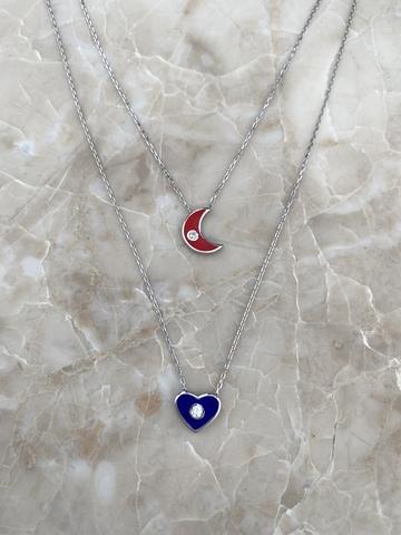Колье Эдир из серебра с красным месяцем и синим сердечком