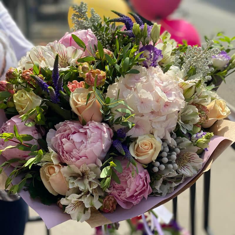 Букет цветов 325