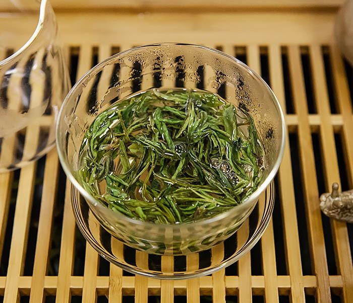 TEA-CH102-2 Зеленый чай «Ворсистые пики с желтой горы» (Хуан Шань Мао Фэн, 50 гр) фото 09
