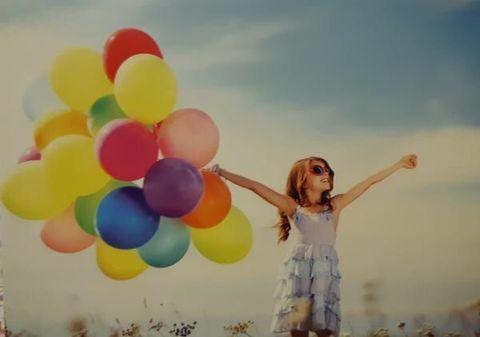 Раскраска по номерам Счастливая девушка в поле с шарами (арт. GX1879)