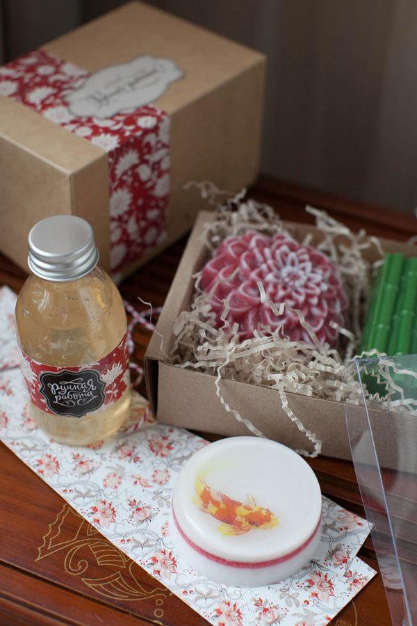 Этиклейка на упаковку Лилия