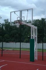 Стойка Г-образная баскетбольная уличная стационарная, вынос 225 см. (щит 1800х1050мм. поликарбонат 10мм, амортизационное кольцо, сетка).