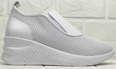 Белые кожаные кроссовки слипоны на белой подошве smart casual летние женские Derem 1761-10 All White.