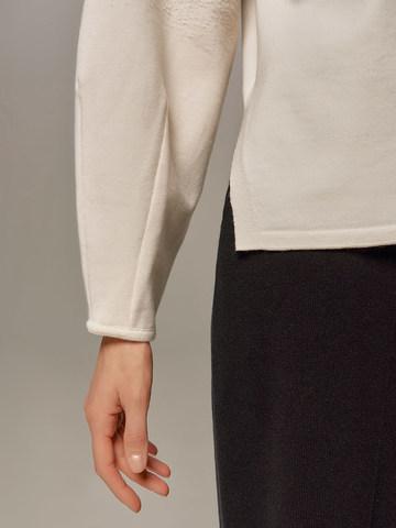 Женский джемпер молочного цвета из шерсти - фото 5