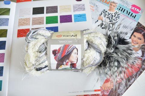 Nancy Hat (YarnArt)
