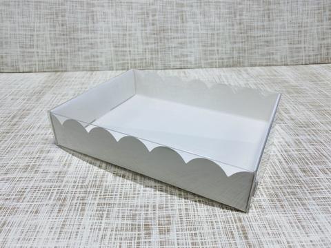 Коробка 20х15х4 см, картон, с прозрачной крышкой и ажурным краем,