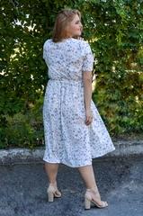 Вера. Нарядное платье plus size. Цветы на белом.