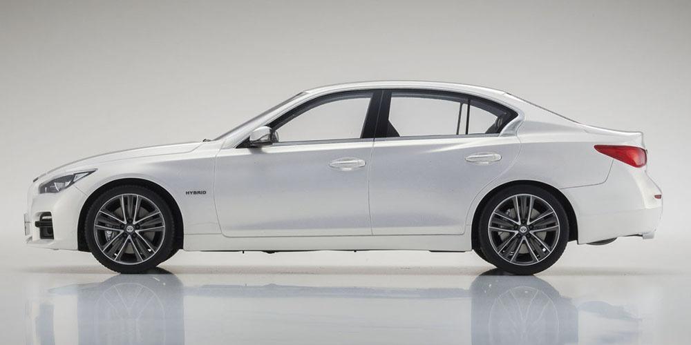 Коллекционная модель Infiniti Skyline Q50 2015