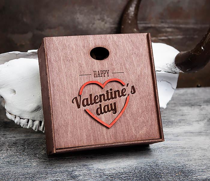 BOX206-3 Подарочная коробка «День святого Валентина» с сердцем (17*17*7 см)