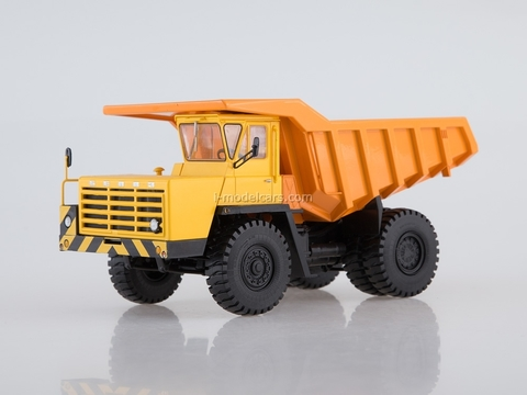 BELAZ-540A Dumper yellow-orange 1:43 Dealer models BELAZ