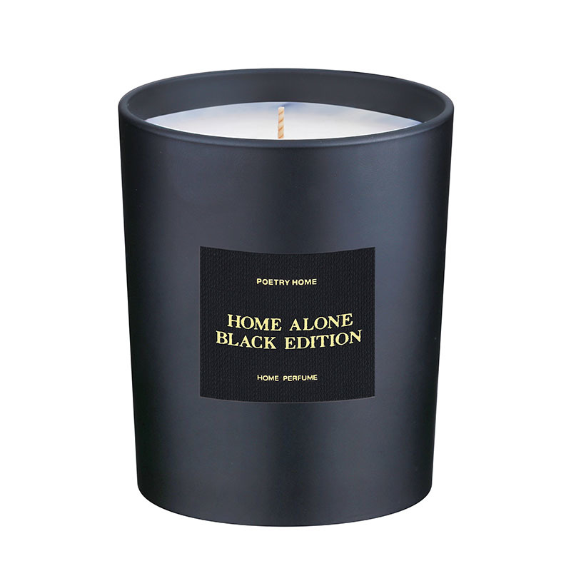 Парфумована свічка HOME ALONE BLACK