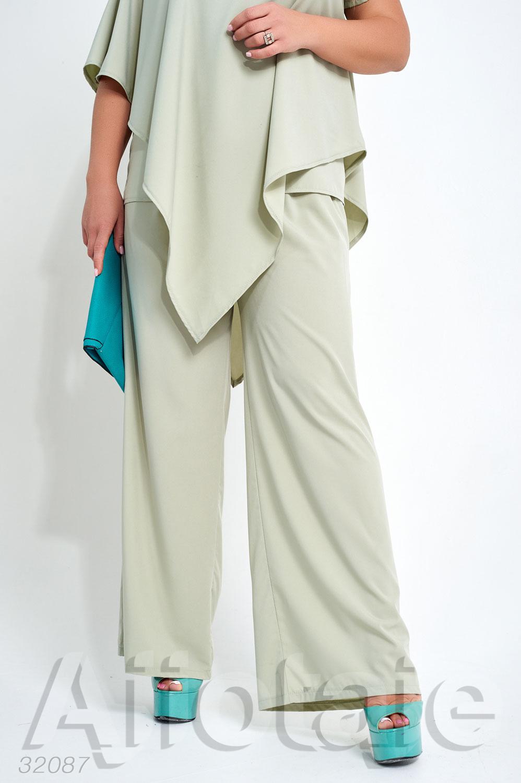Элегантный костюм с брюками клеш