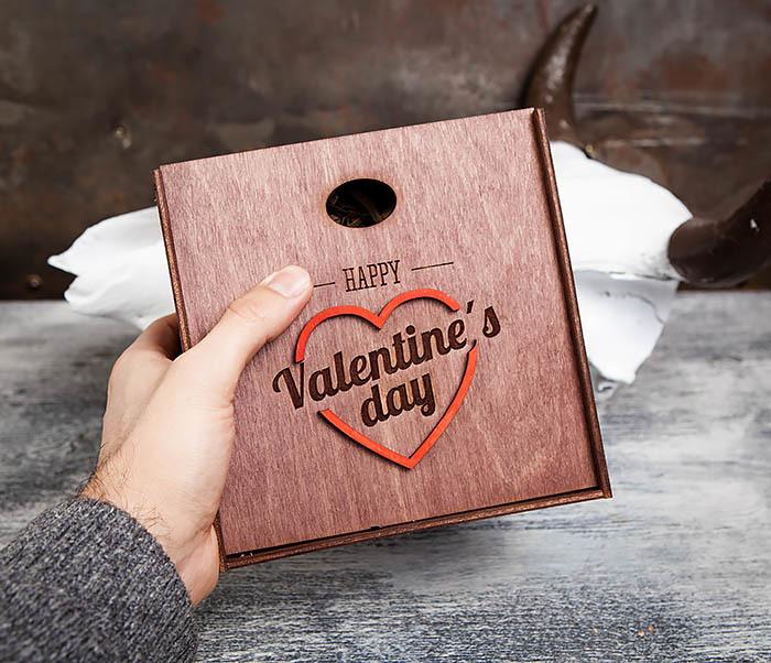 BOX206-3 Подарочная коробка «День святого Валентина» с сердцем (17*17*7 см) фото 09