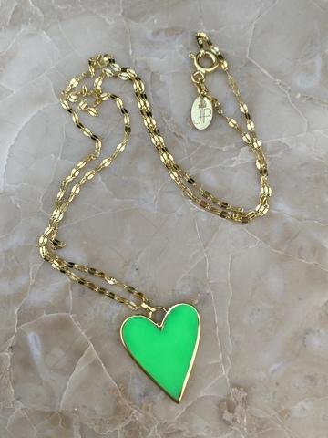 Колье из позолоченного серебра с сердечком из зеленой эмали