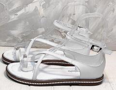 Сандалии с закрытой пяткой женские кожаные босоножки на низком ходу Evromoda 454-402 White.