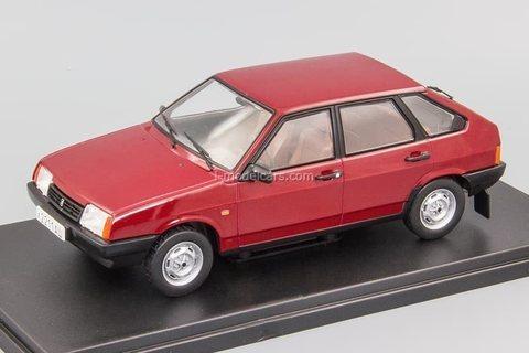 VAZ-21093 Satellite dark red 1:24 Legendary Soviet cars Hachette #74