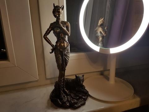 Статуэтка для подношений. Богиня Бастет