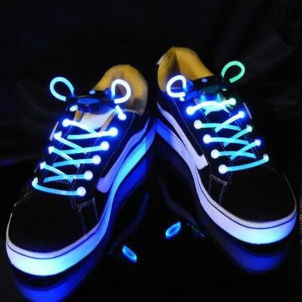 Оригинальные подарки Светящиеся шнурки 87c120fc580637d913bc1bb23e1eeec3.jpg