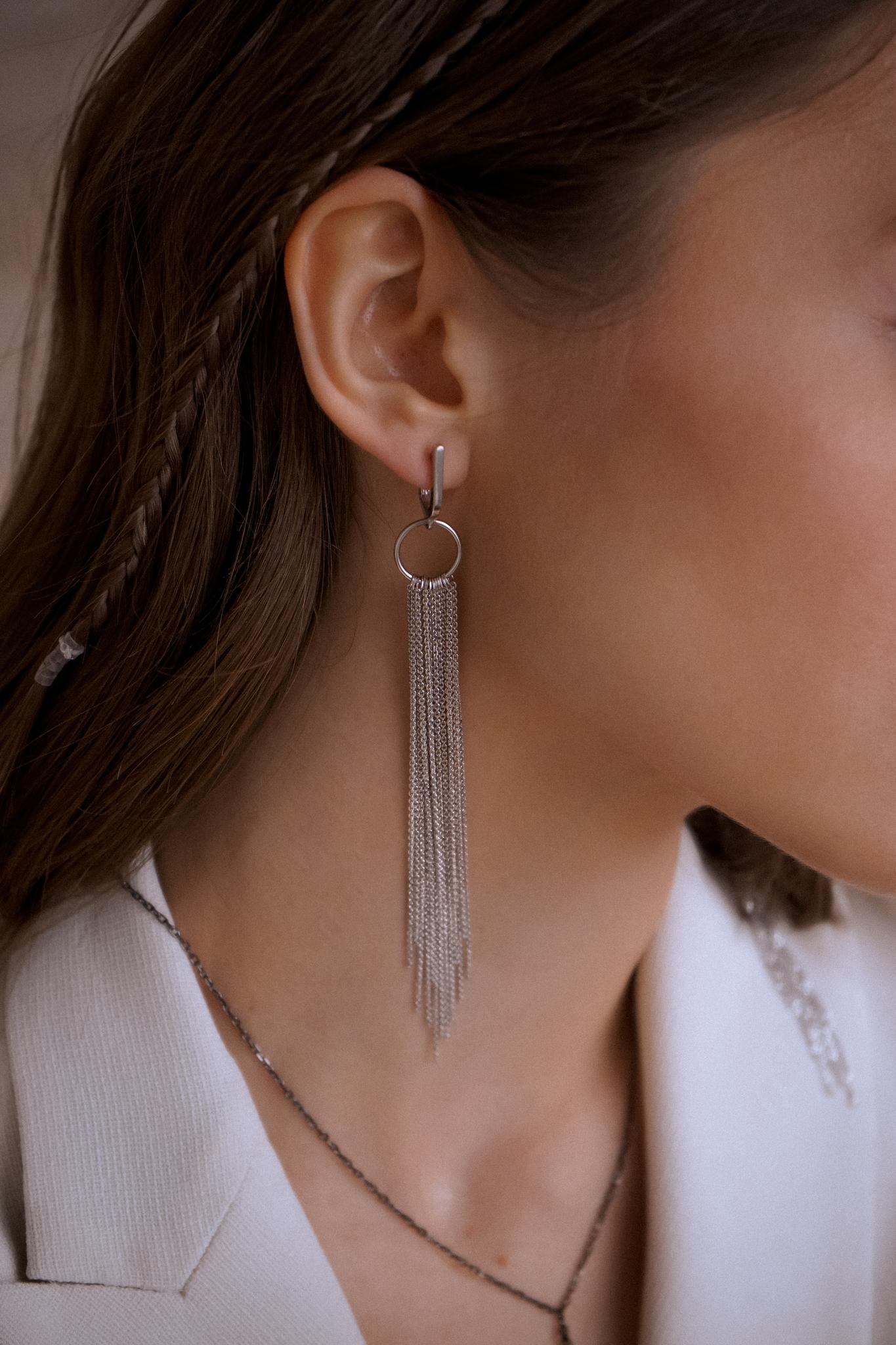 Серебряные удлиненные серьги-бахрома