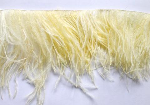 Премиум Тесьма  из перьев страуса на нитке в 2 слоя h 10-15 см., кремовый